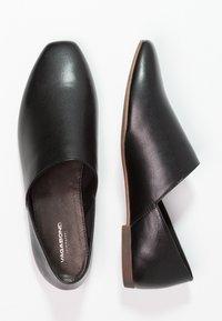Vagabond - AYDEN - Slippers - black - 2