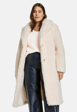 Winter coat - pearl