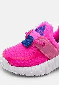 adidas Performance - RAPIDAZEN UNISEX - Kuntoilukengät - screaming pink/team royal blue/footwear white - 5