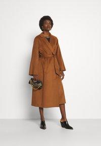 Trussardi - COAT PANNO APRIBILE - Classic coat - thrush - 1
