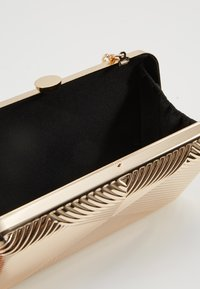 Dorothy Perkins - CASE BOX - Clutches - gold - 4