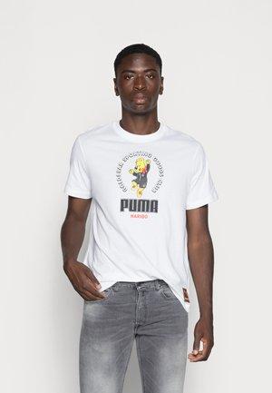 PUMA HARIBO GRAPHIC TEE - Print T-shirt - puma white
