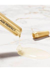 L'Oréal Paris - AGE PERFECT SERUM AMPULLES 7 DAYS - Skincare set - - - 3