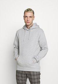 Cotton On - UNISEX ESSENTIAL - Hoodie - light grey - 0