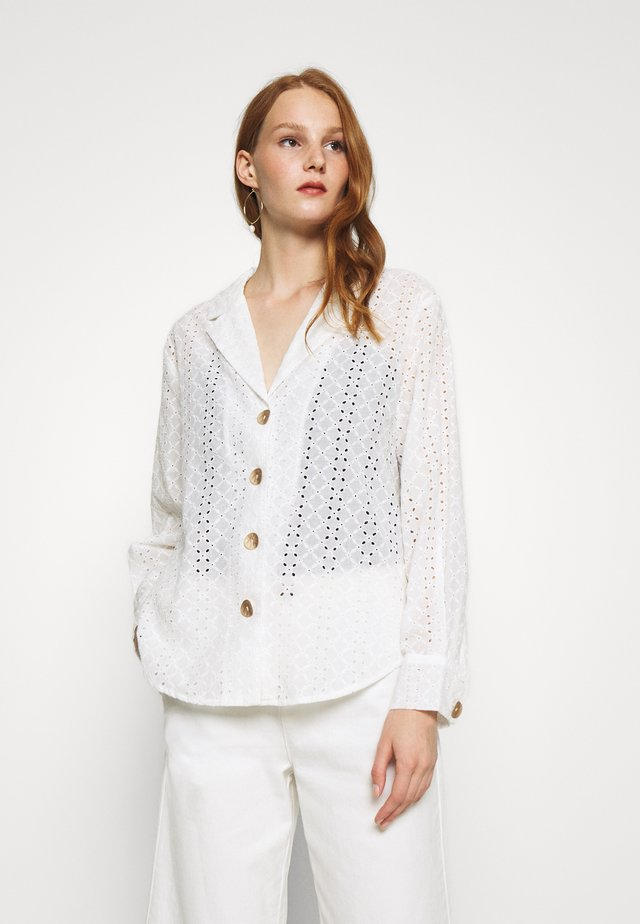 BRONTE LOOSE - Button-down blouse - white