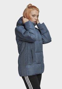 adidas Originals - WINTER REGULAR JACKET - Down jacket - legacy blue - 2