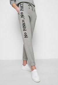 Pinko - ENOLOGIA - Pantalon de survêtement - grey - 3