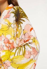 OYSHO - Fleece jacket - yellow - 3