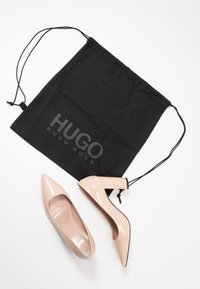 HUGO - EXCLUSIVE INES CHUNKY  - High heels - nude - 7