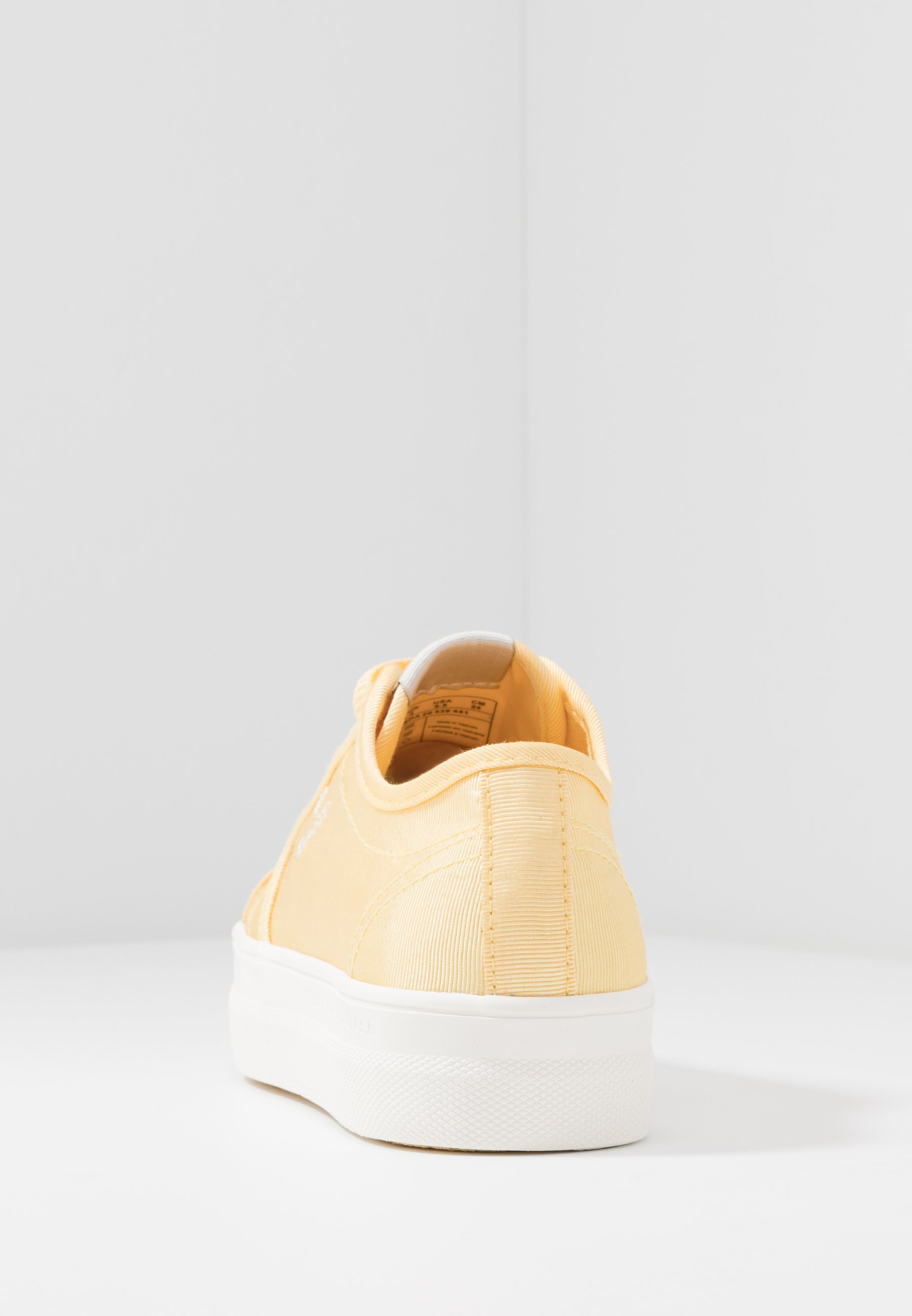 LEISHA Sneakers light yellow