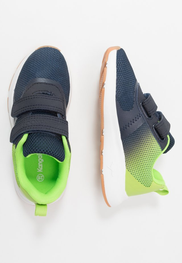 KB-AGIL V - Matalavartiset tennarit - dark navy/lime