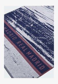 adidas Performance - REAL MADRID COTTON TOWEL - Håndkle - blue - 1