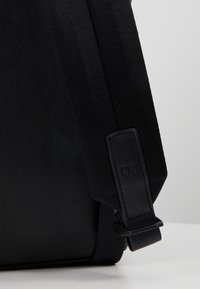 Calvin Klein Jeans - FEATHER WEIGHTMINIMAL - Ryggsäck - black - 5
