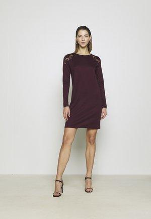 VIHOWDY TINNY DRESS - Jersey dress - winetasting