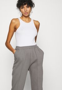 Nly by Nelly - ULTIMATE COZY JOGGERS - Teplákové kalhoty - gray - 3