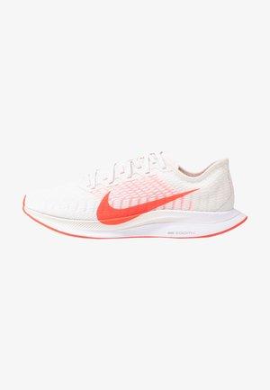 ZOOM PEGASUS TURBO 2 - Neutral running shoes - platinum tint/laser crimson/white/light smoke grey