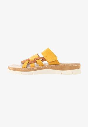 SLIDES - Pantofle - saffron