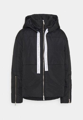 HOODED PUFFER JACKET - Zimní bunda - black