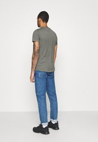 Tommy Jeans - ESSENTIAL JASPE TEE - T-shirt basic - dark olive - 2