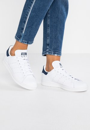 STAN SMITH - Trainers - footwear white/collegiate navy