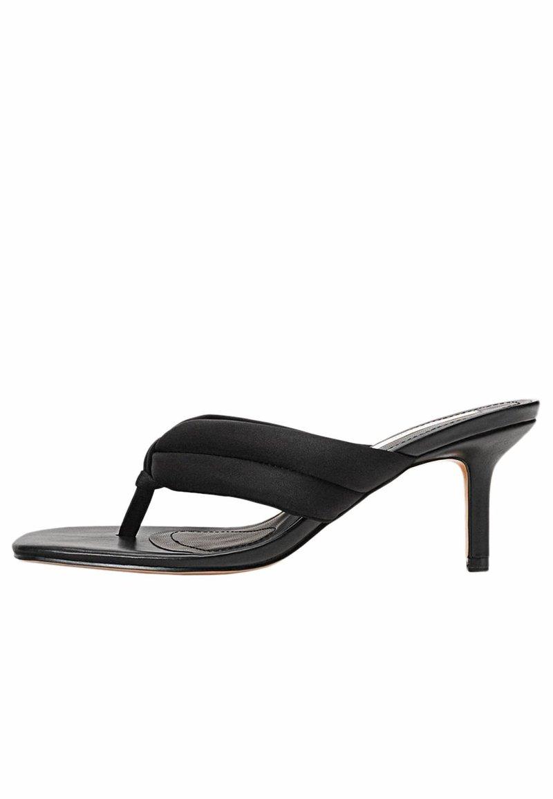 Stradivarius - Sandály s odděleným palcem - black