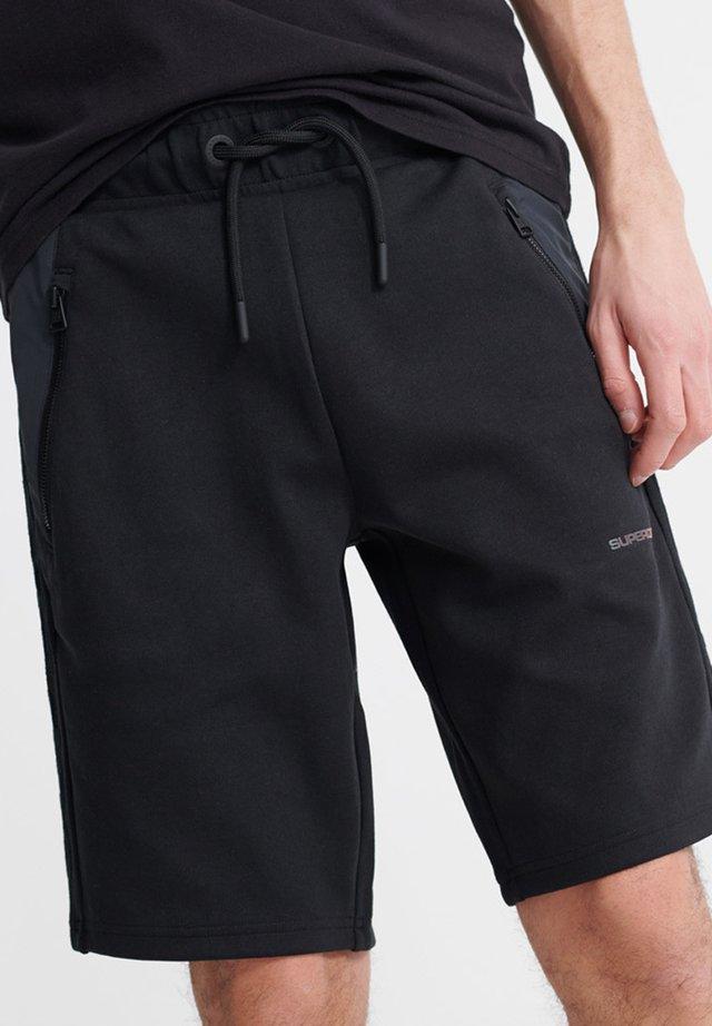 URBAN TECH SHORT - Shorts - black