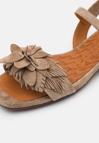 Chie Mihara - TADUL - Sandals - zeus sand - 6