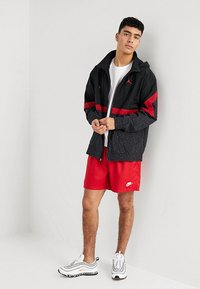 Jordan - DIAMOND CEMENT JACKET - Windbreakers - black/gym red - 1
