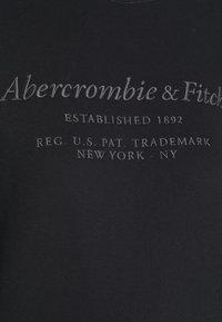 Abercrombie & Fitch - ITALICS SEAMED LOGO CREW - Sweatshirt - black - 6