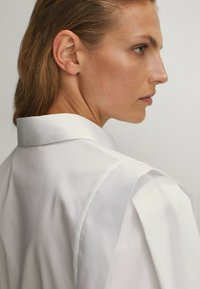 Massimo Dutti - POPELIN - Button-down blouse - white - 5