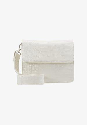 CAYMAN SHINY STRAP BAG - Skulderveske - white