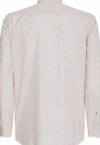 Tommy Hilfiger - BOLD STRIPE REGULAR FIT - Shirt - rose - 3