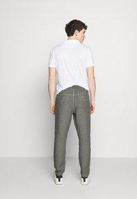 120% Lino - Kalhoty - elephant sof fade - 2