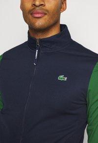 Lacoste Sport - TENNIS JACKET - Veste de survêtement - navy blue/green - 4
