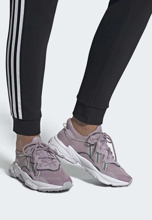 OZWEEGO SHOES - Sneakers laag - purple