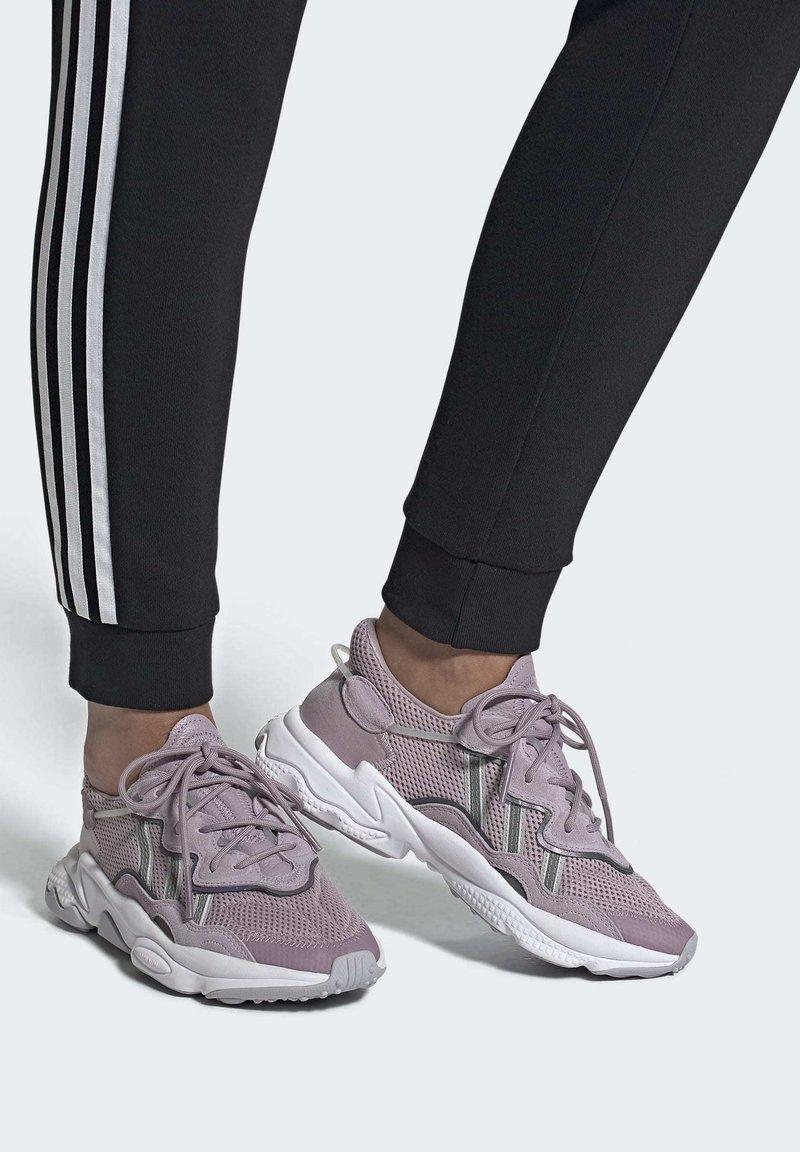 adidas Originals - OZWEEGO SHOES - Trainers - purple