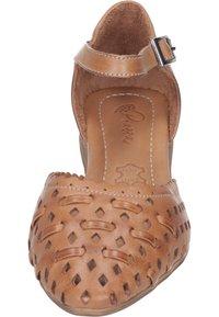 Piazza - Ankle strap ballet pumps - coconut - 4