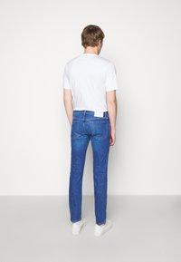 HUGO - Džíny Slim Fit - bright blue - 2