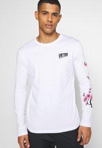 YOURTURN - UNISEX - Long sleeved top - white - 3