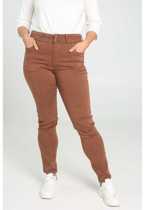 SLIM - Slim fit jeans - caramel