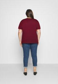 Even&Odd Curvy - Print T-shirt - bordeaux - 2