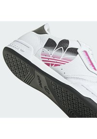 adidas Originals - CONTINENTAL 80 - Matalavartiset tennarit - white/black - 6