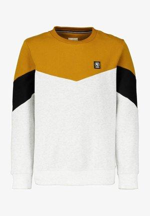 Sweatshirts - maple