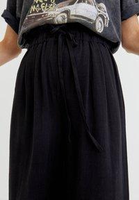 PULL&BEAR - RUSTIKALE - Trousers - black - 3