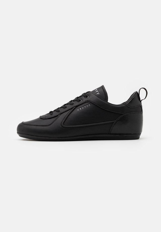 NITE CRAWLER V2 - Sneakers laag - black