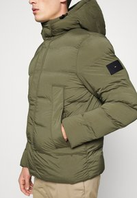Tommy Hilfiger - HOODED STRETCH - Winter jacket - green - 5