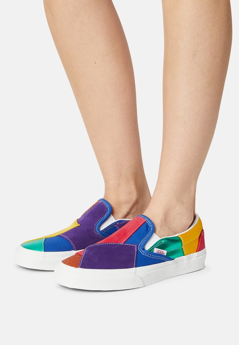 Vans - UA CLASSIC  - Slip-ons - pride patchwork/true white