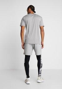 Nike Performance - CAMO - Medias - black/white - 2