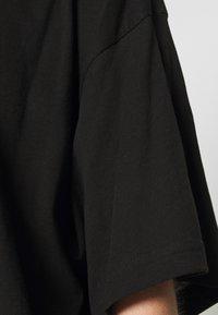 Weekday - REBECCA - T-shirts - black - 5