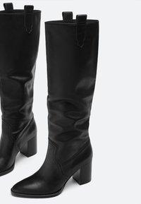 Uterqüe - High heeled boots - black - 3